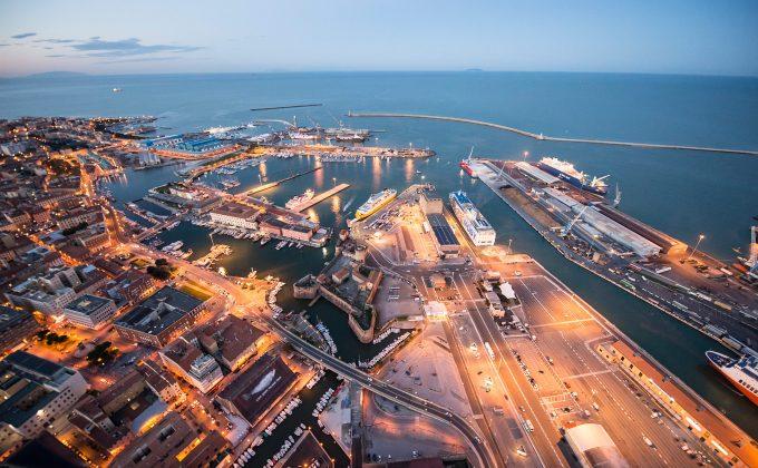 Marine works <br>and dredging for Piattaforma Europa